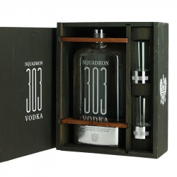 Gift Box Squadron Leader Vodka Squadron 303 + 2 Glasses